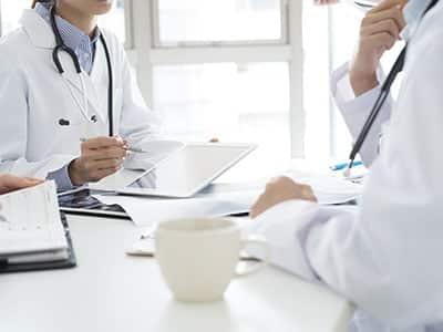 ליווי-רפואי-לקרנות-פנסיה